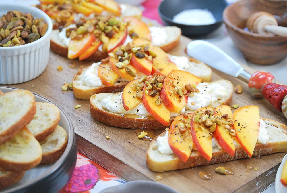 Peach-Burrata-Crostini-3