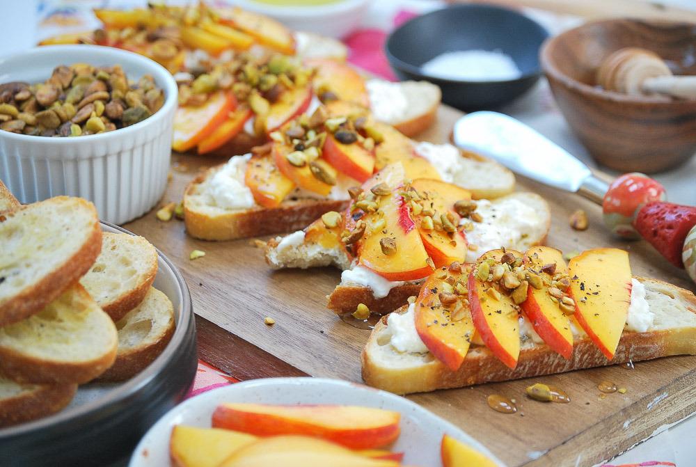 Peach-Burrata-Crostini-4