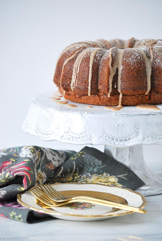 Pumpkin-Cake-with-Cinnamon-Vanilla-Glaze-2