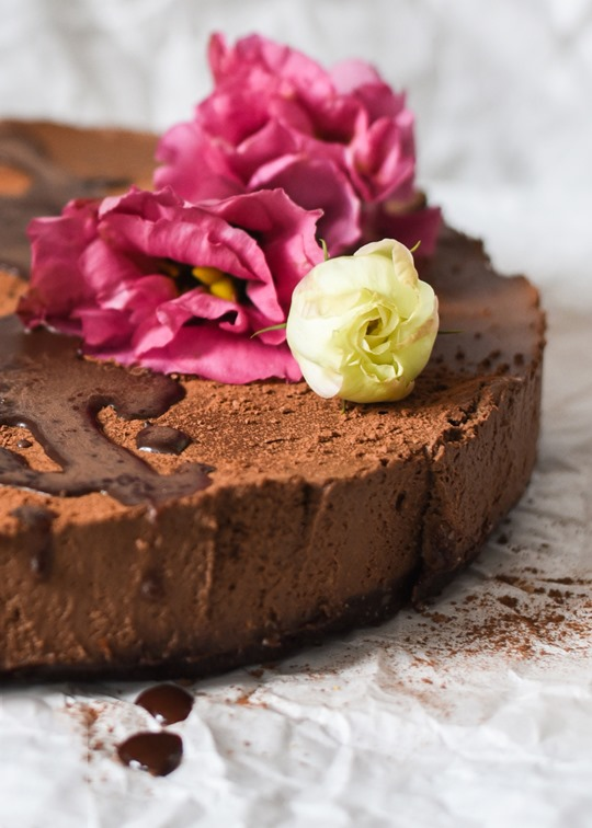 Raw-Chocolate-Mousse-Cake-cashew-coconut-vegan-recipe-by-Thankfifi-10_thumb
