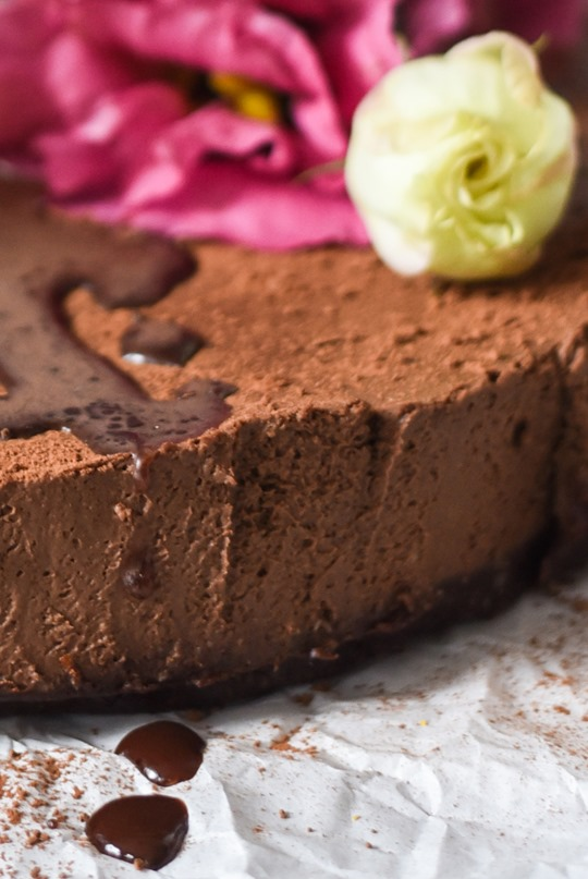 Raw-Chocolate-Mousse-Cake-cashew-coconut-vegan-recipe-by-Thankfifi-4..._thumb