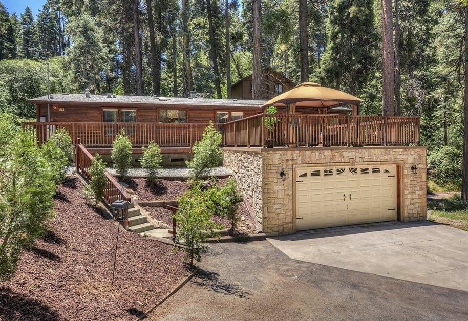 houses in lake arrowhead, california - what to look for when buying and considering living in the mountains full time