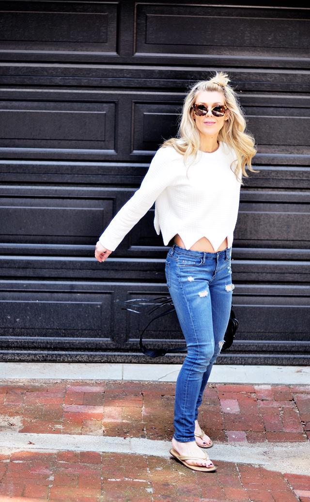 Skinny jeans_sweatshirt_ casual style