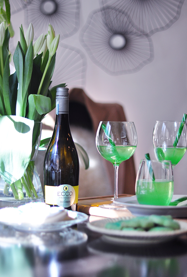 St Patrick's Day Green Apple Wine Cocktail