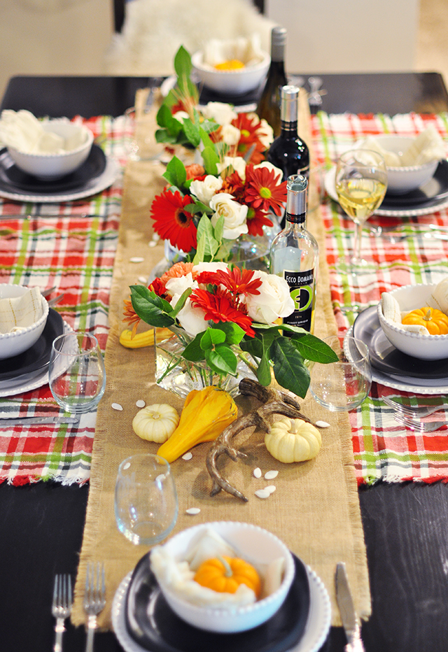 thanksgiving-table-setting-and-centerpiece-ecco-domani-wine