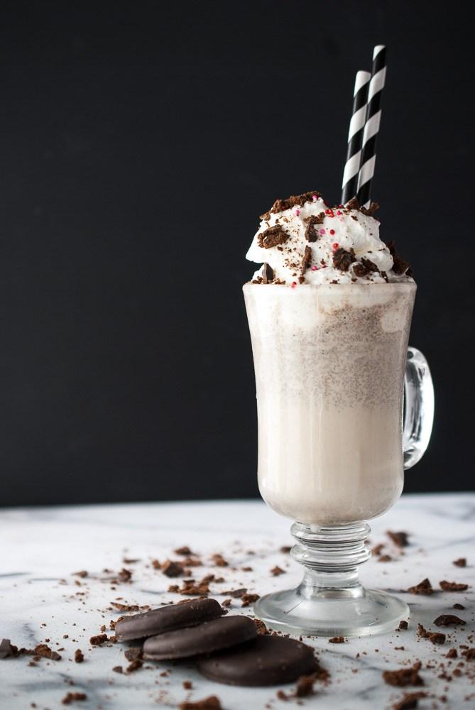 Thin-Mint-Milkshake-w-Peppermint-Whipped-Cream-5