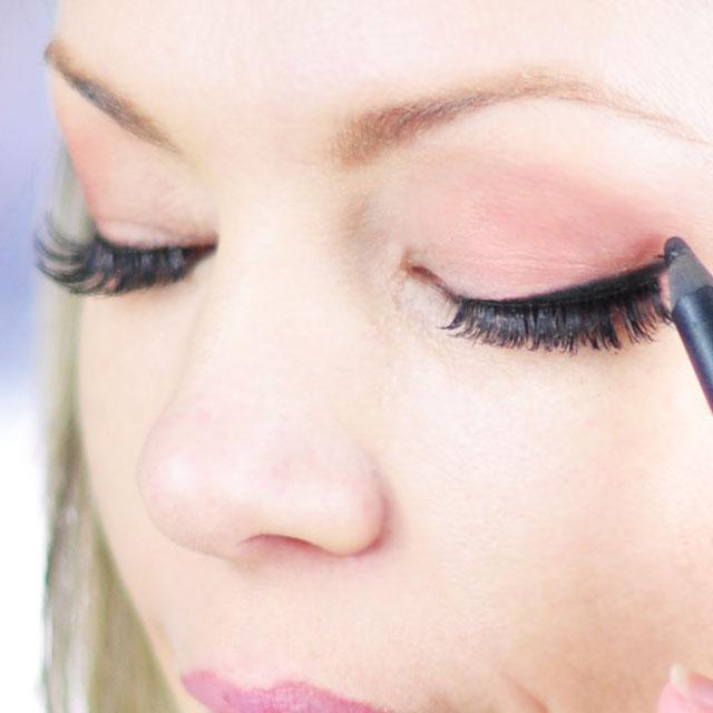 Tinker-Bell-Makeup-Hair-Tutorial-6