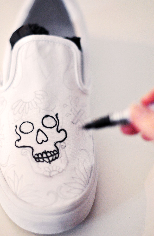 Vans Custom Culture DIY - sugar skull- day of the dead