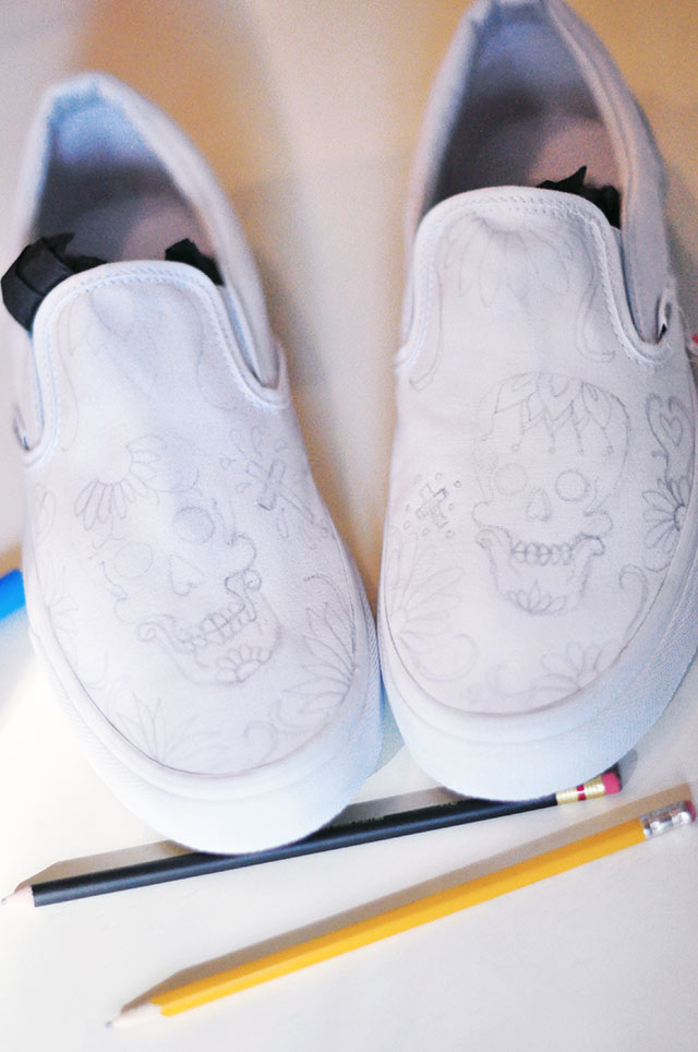 Vans Custom Culture DIY - sugar skull-day of the dead
