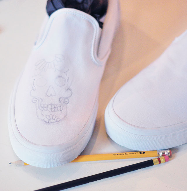 Vans Custom Culture DIY -sugar skull-day of the dead