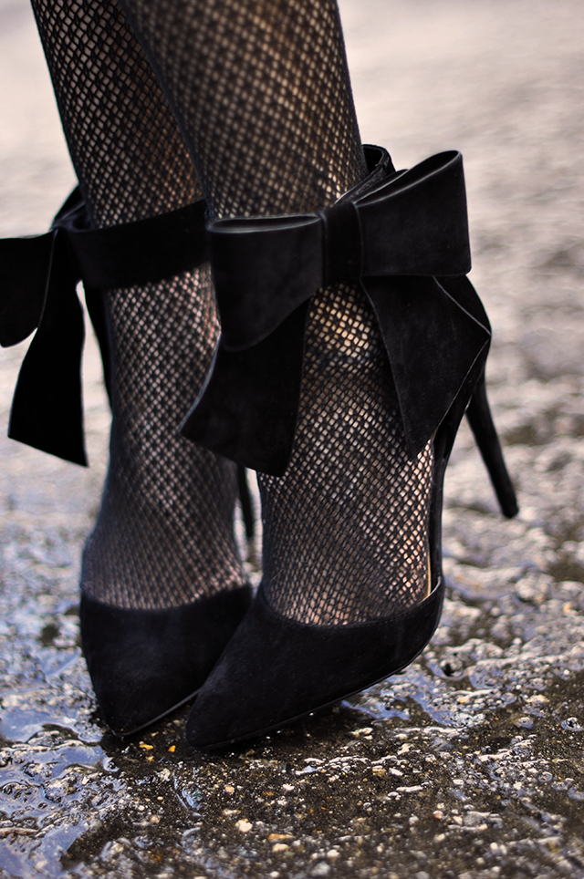 velvet-pumps-with-ankle-bows-heels