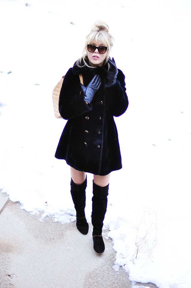 Vintaage faux fur coat _ over the knee boots