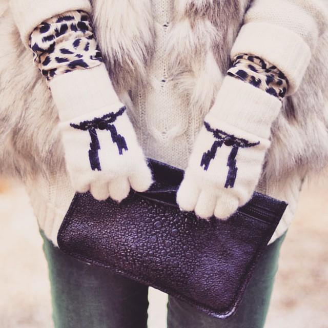 alexander wang zipper pouch_fingerless gloves