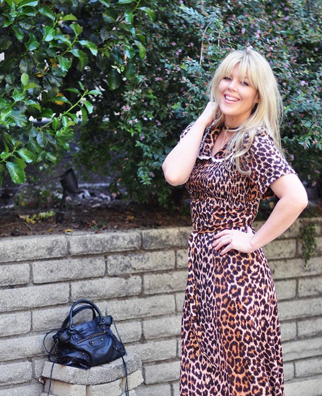 balenciaga town bag_vintage leopard dress