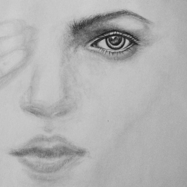 beginnings of a kate moss pencil drawing