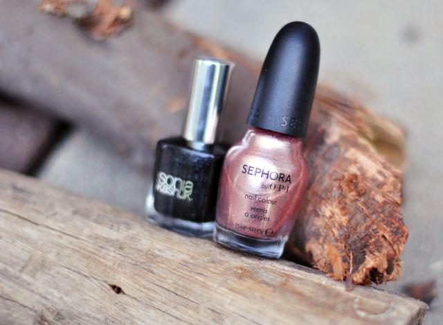 black and rose gold-nail polish