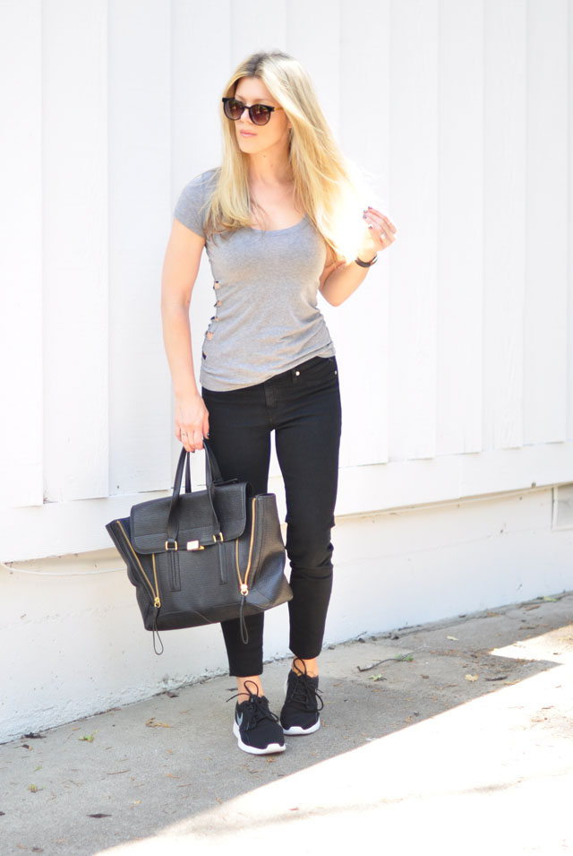black jeans-nike sneakers-diy top