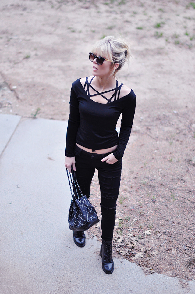 black outfit_ harness bra layering top
