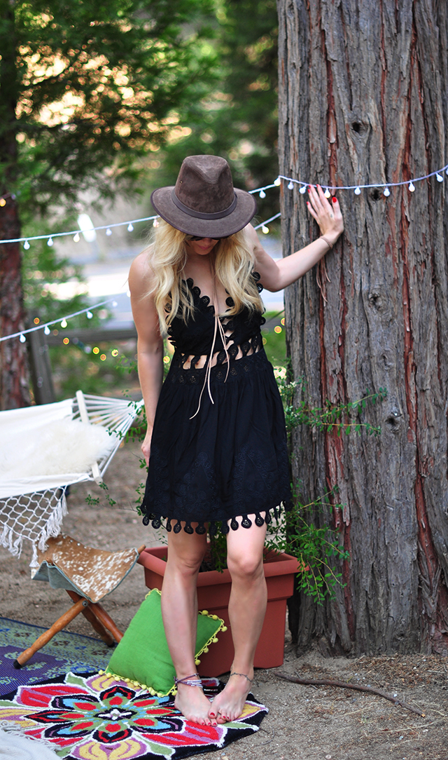 black summer dress_ honey punch_chloe