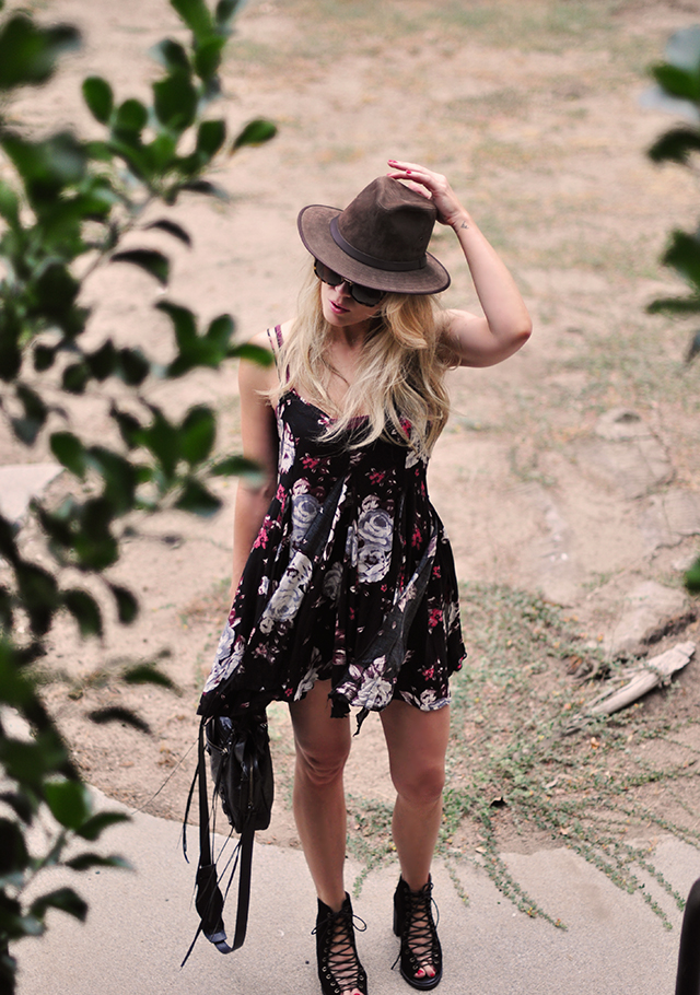 boho summer dress with hat