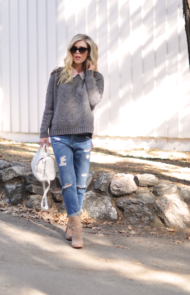 boyfriend jeans+gray+pink outfit