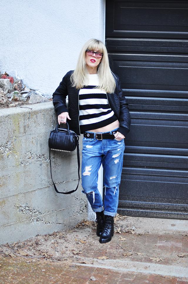 boyfriend jeans_striped sweater