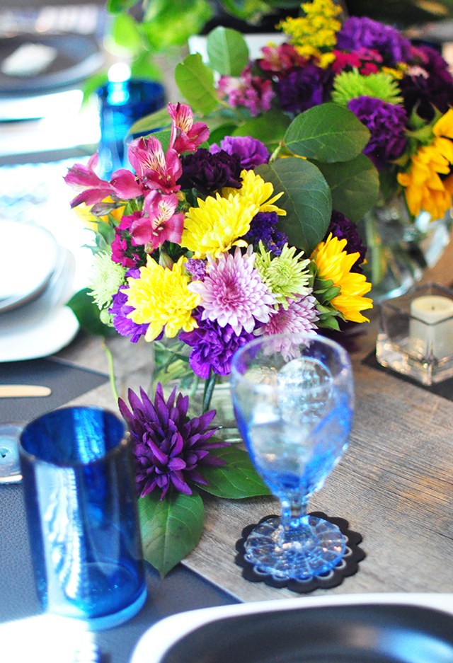 bright floral tablescape centerpiece  blu _