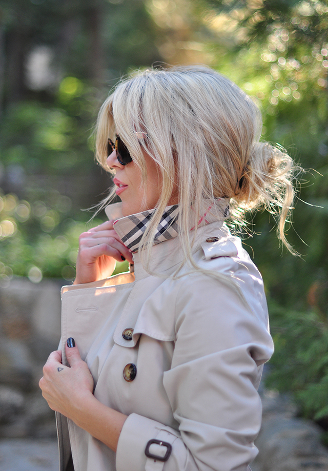 burberry-trench-coat_messy-low-bun