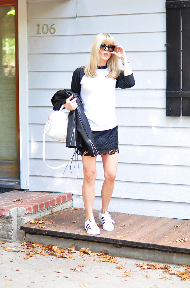 casual sporty_black and white_adidas_alexander wang