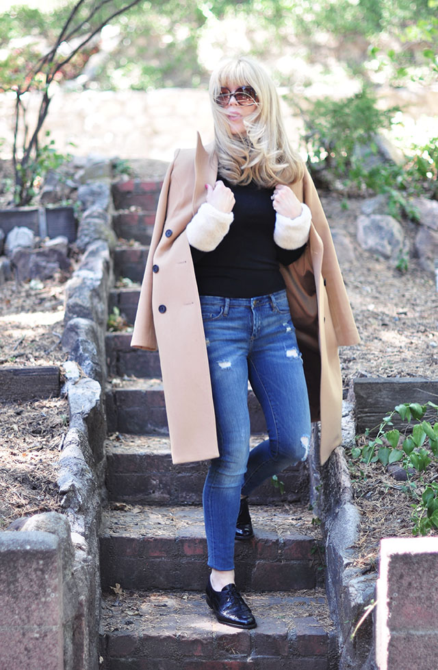 camel coat_ jeans_fur cuffs_oxfords