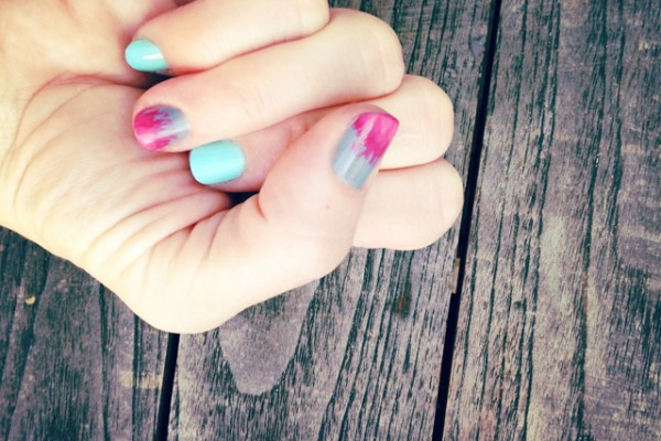 diy brushed ombre accent nails for summer