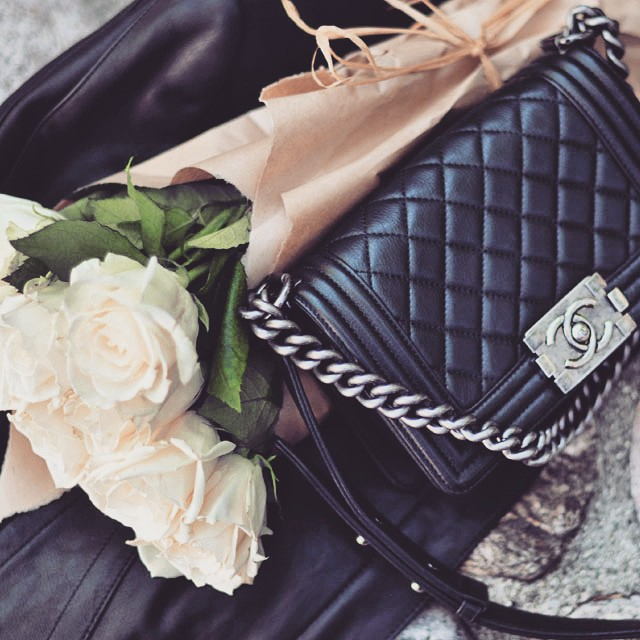 chanel boy bag_white roses