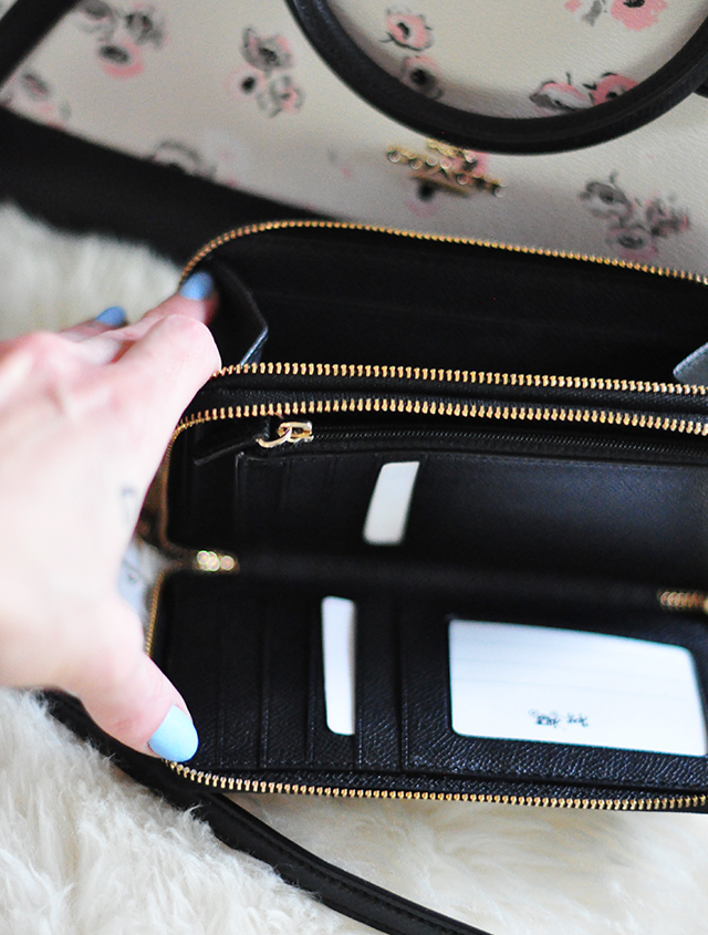 coach double zip wallet black patent leather c logo -1