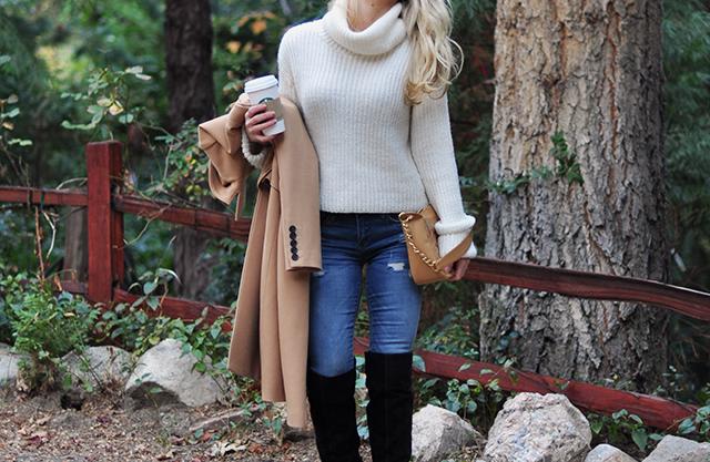 cozy-fall-style_camel_ivory_denim