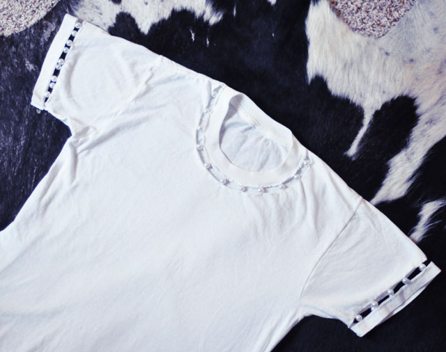 diy t-shirt-cut out sleeves and collar with pearls