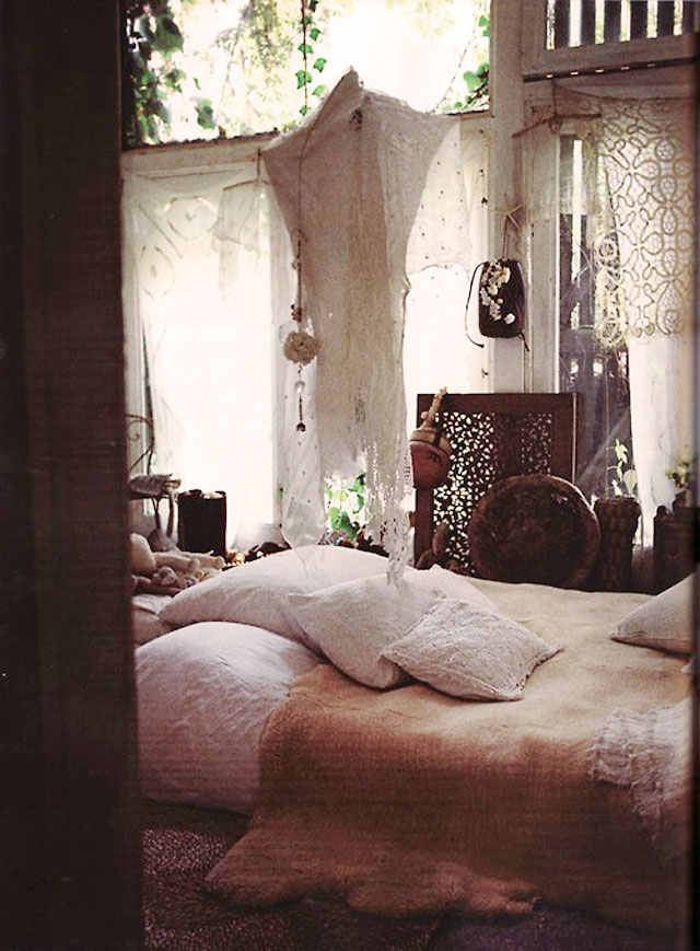 dreamy bohemian bedroom