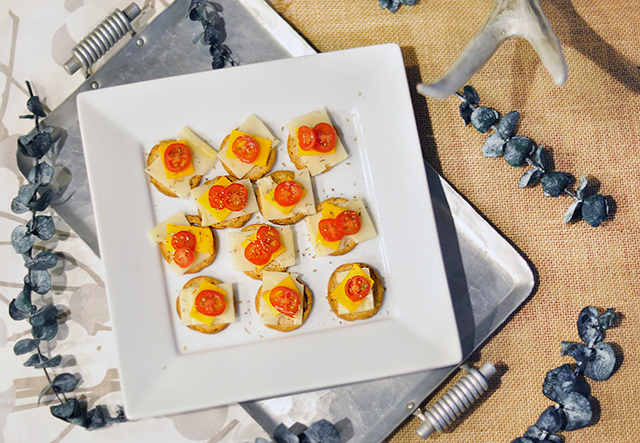 easy-cheese-and-cracker-appetizers