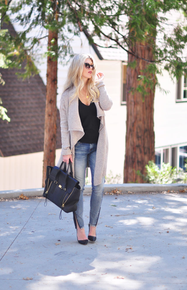 easy chic-jeans and a sweater