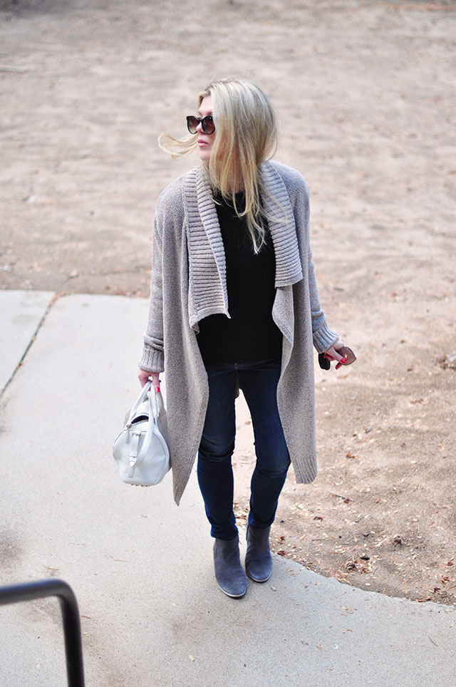 easy outfit - jeans-sweater-boots