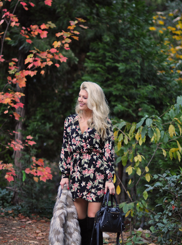 fall-style_floral-dress-fur-vest_tall-boots