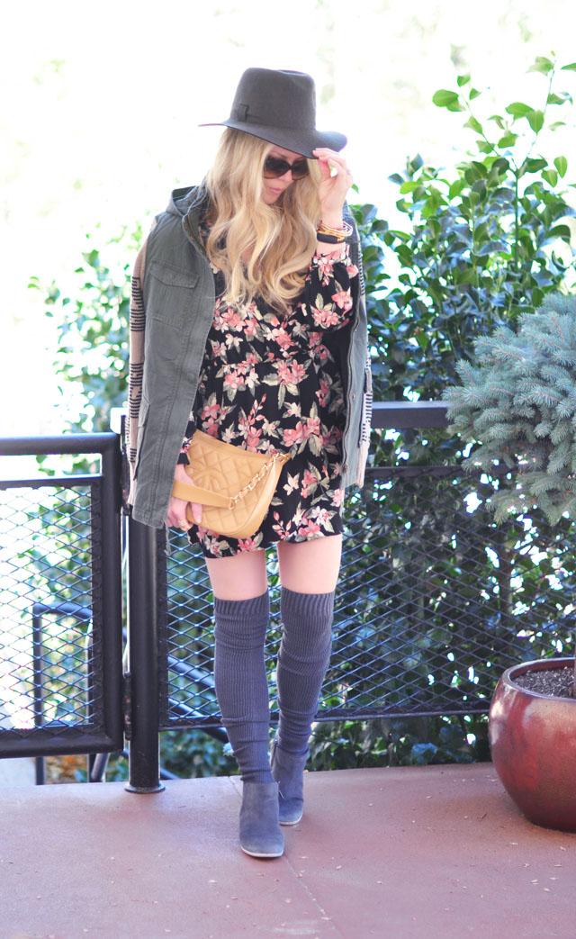 floral+army jacket+chanel bag+hat+otk socks+gray boots