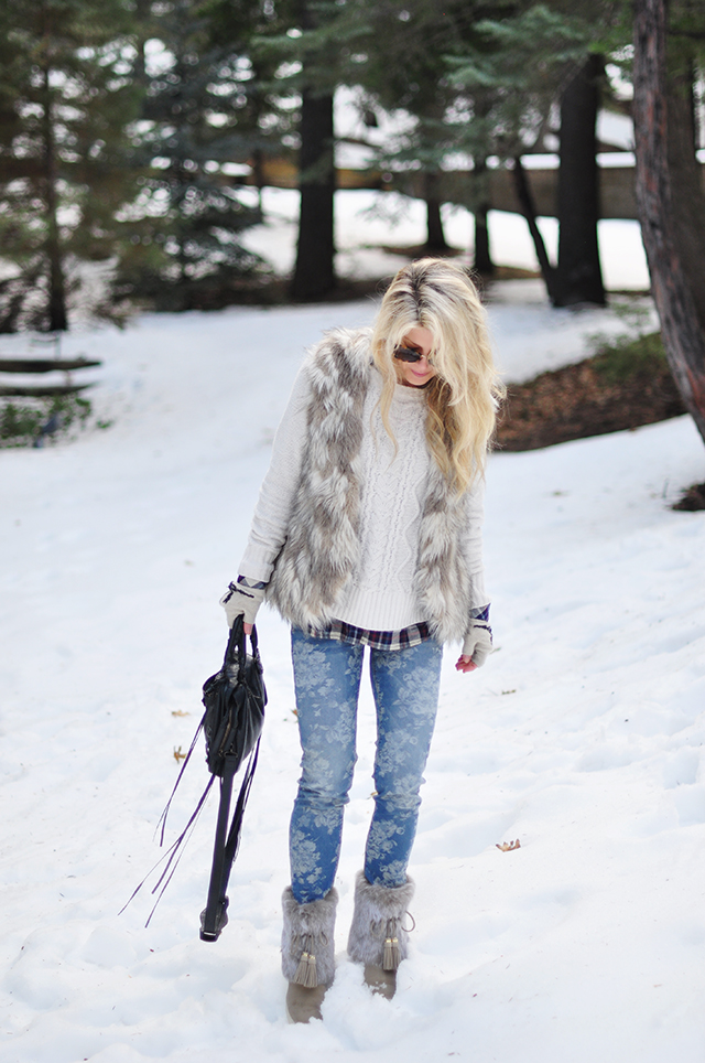 floral jeans_fur in the snow