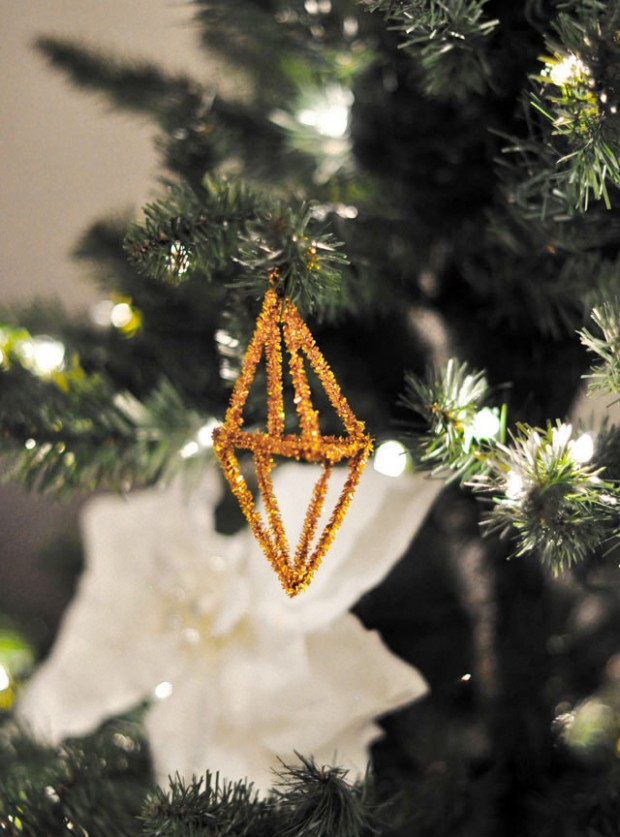 geo metallic pipe cleaner ornament 4 DIY