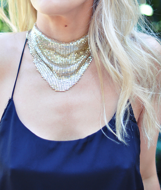 gold-mesh-necklace-_-scarf-look