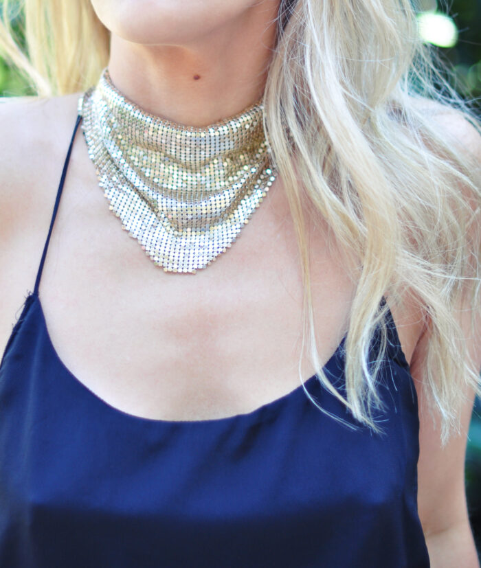 gold-mesh-necklace_scarf-look