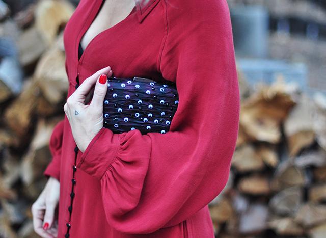 googly-eyeball-clutch_red-dress