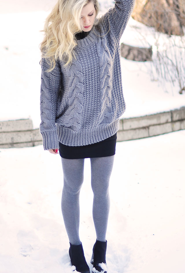 gray tights-black skirt-gray sweater-black boots