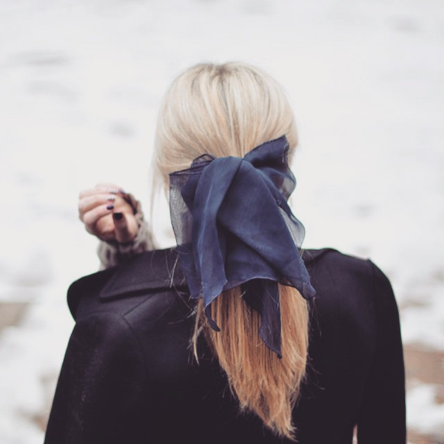hair-ponytail with bow