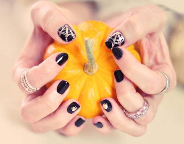 halloween nails-spider nails - spider gems