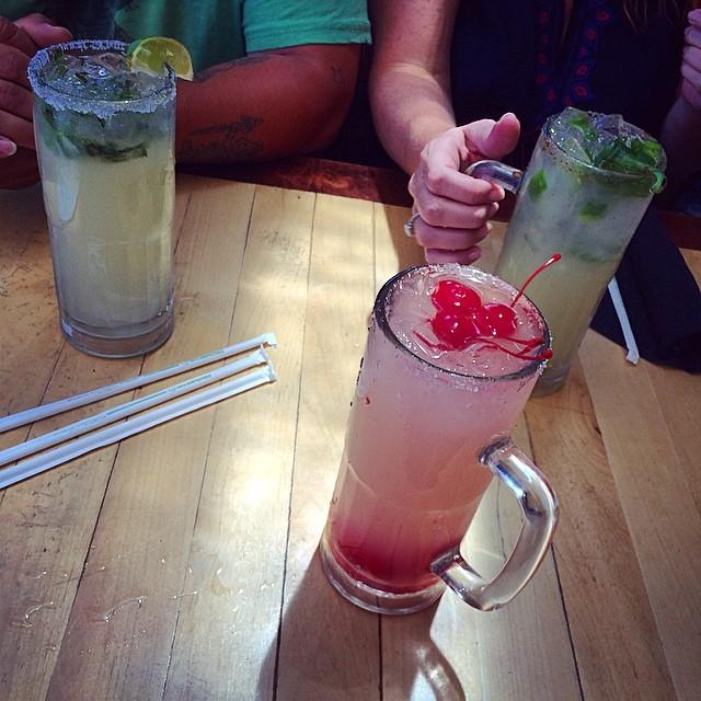 happy hour drinks